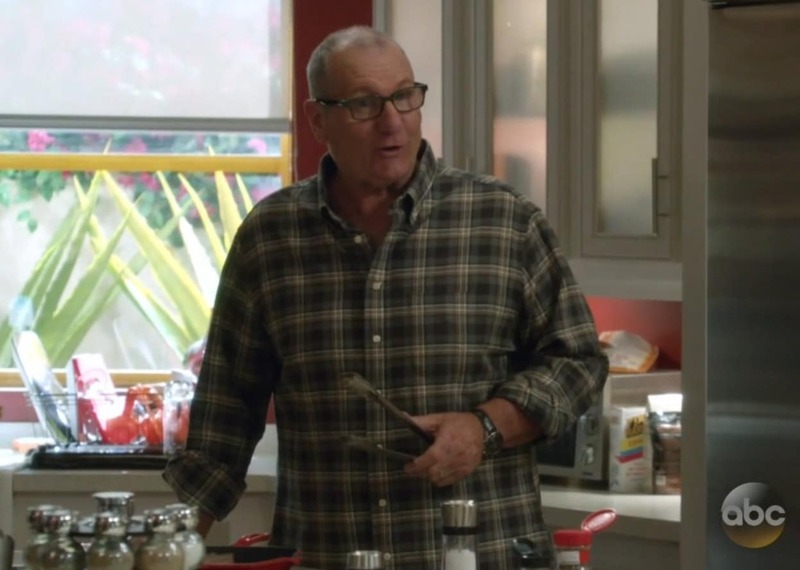 Speedy Tuesday – Ed O'Neill Wearing A Speedmaster in Modern Family